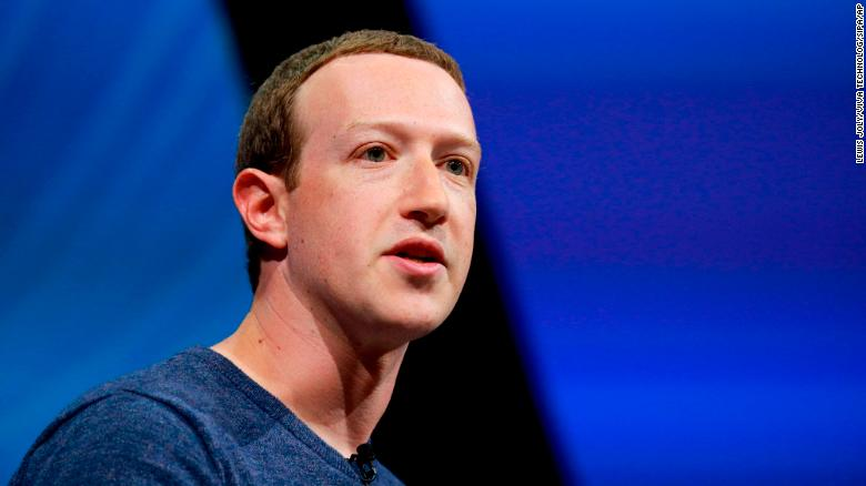 Facebook's Mark Zuckerberg discusses ideas for a news feature, paying publishers
