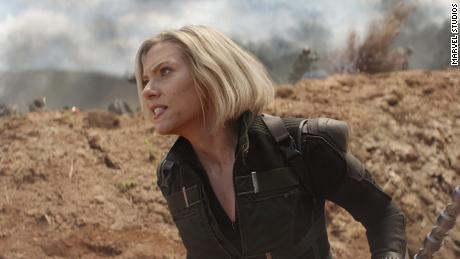 """""""Black Widow"""" fait tomber des indices sur le livre du super-héros"""