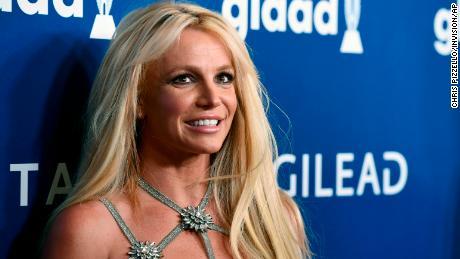 Britney Spears đang chăm sóc bản thân. Quá nhiều người khác không thể