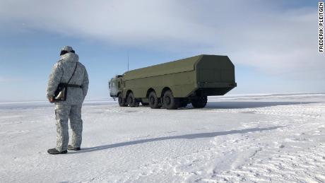 À l'intérieur de la base militaire au cœur des ambitions de Poutine dans l'Arctique
