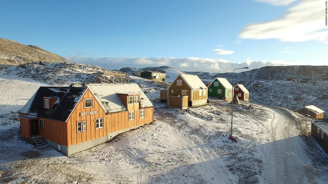 Remote Ittoqqortoormiit guest house in Greenland (photos)