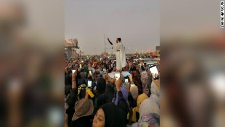 Gun shots as Sudan protests press on