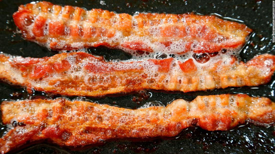 Eating just one slice of bacon a day linked to higher risk of colorectal cancer, says study - CNN