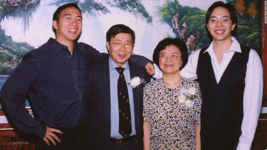 Quello, sinistra, poses with his parents and brother. He studied economics and political science at Brown University and went to law school at Columbia University.