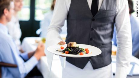 Restaurant servers don't know much about food allergies, study findings