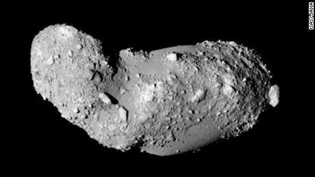 Water found in samples from the surface of an asteroid