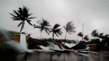 7 killed as Tropical Cyclone Fani hits India