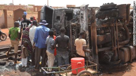 Tanker truck explodes in Niger, 55 persons die