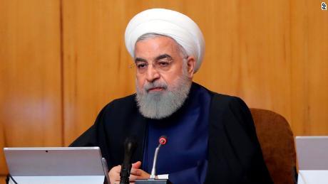 Les démocrates disent que certains membres du GOP se tordent Iran: Trump soulève des doutes sur la menace