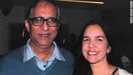 Lisa Singh avec son père, Uppi Singh.