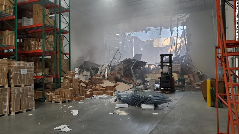 F-16 fighter jet crashes into warehouse in California