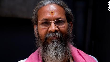 Ganesh Shankar Upadhyay, prêtre en chef du temple Sri Kashi Karavat Mandir à Varanasi.