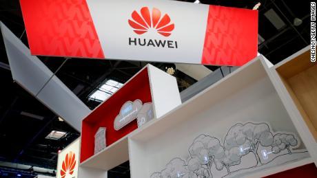 Huawei vient peut-être de faire échouer l'offre de Huawei de devenir la première marque de smartphones au monde
