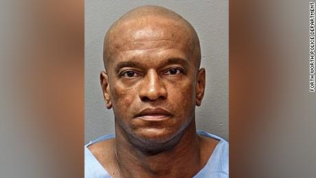 Michael Webb a été accusé d'enlèvement, selon la police.