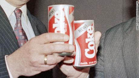 """Coca-Cola rapporte New Coke en l'honneur de """"Stranger Things""""."""