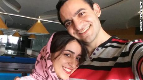 Emad Kazerani et sa fiancée, Raziyeh Aghakhanikhanghah, à la recherche d'un visa mais bloqués par un traitement administratif.