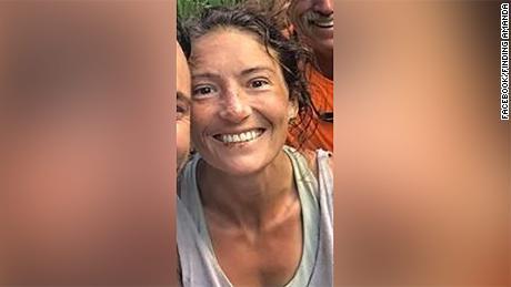 Amanda Eller a été retrouvée en train de marcher dans un ravin vendredi, plus de deux semaines après sa disparition lors d'une randonnée.