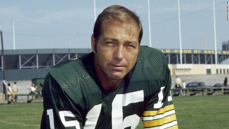 Former Green Bay Packers quarterback dies at 85 — Bart Starr