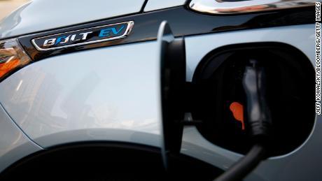 Le réseau de recharge que GM propose avec Bechtel fonctionnerait avec de nombreuses voitures électriques différentes, et pas seulement avec celle de GM. Mais cela devrait profiter aux ventes de véhicules électriques de GM.