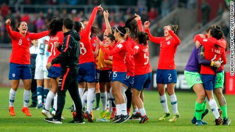 Les femmes du Chili battent l'Argentine pour terminer deuxième et se qualifier pour la Coupe du monde.
