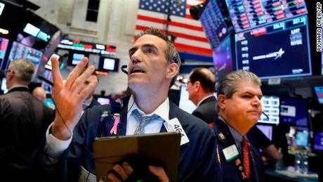 Dow va chuter de 300 points sur les tarifs mexicains