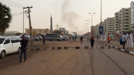 Sudanese Troops Begin Dispersing Sit-In Protest Near Khartoum's Army HQ