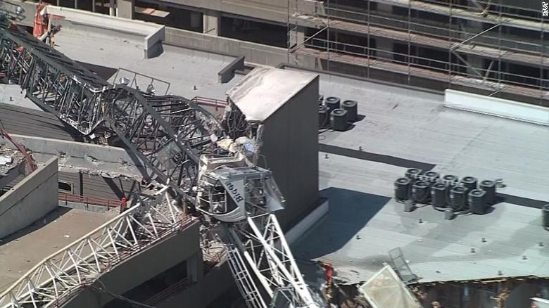 1 killed, 6 injured when crane collapses in Dallas