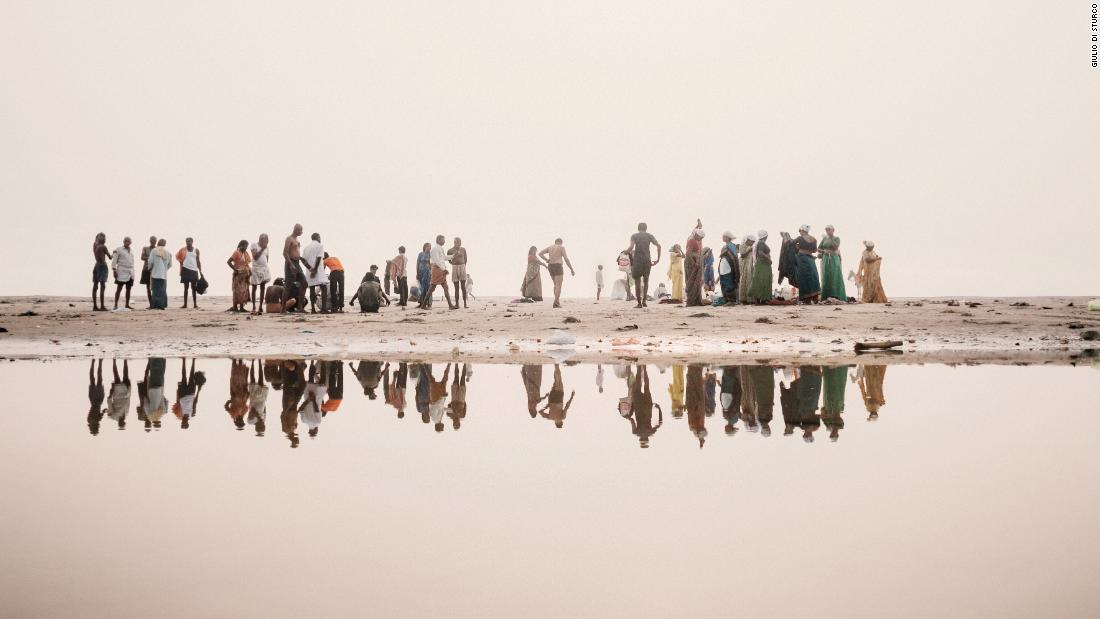 Striking photos show a decade of environmental decline along the Ganges