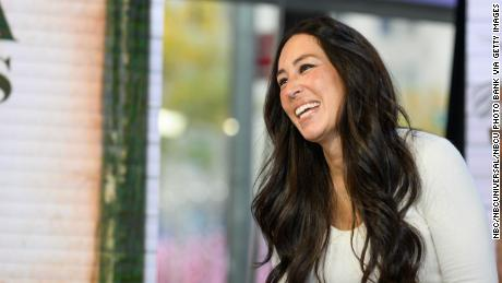 Joanna Gaines shows you how easy it is to get a baby to pose for a photo. Spoiler: It's not.
