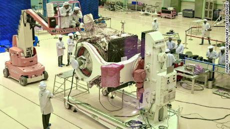 ยานโคจรของ Chandrayaan-2 ไม่กี่เดือนก่อนเปิดตัว
