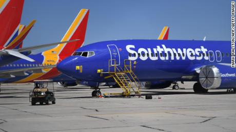 737 Max grounding will cost American and Southwest Airlines more than $1 billion