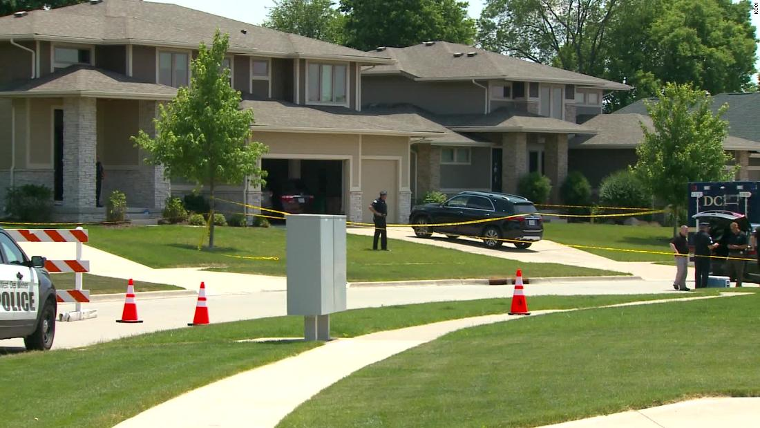 4 people found dead in an Iowa house after guest runs out and asks bystander to call 911 - CNN