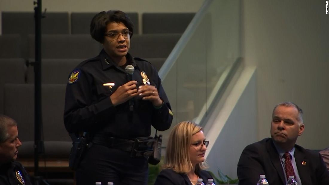 Hundreds confronted Phoenix officials at a meeting about police abuse. The chief vowed change - CNN