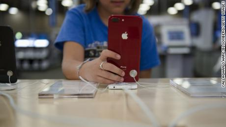 Apple partners with Best Buy for expanded fix service