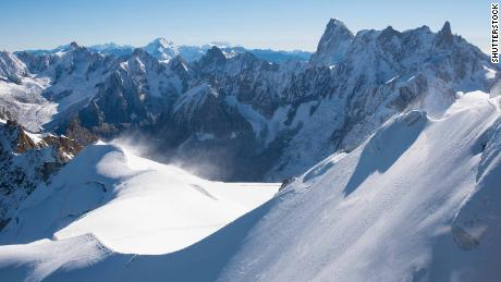 Climbers investigated after landing plane on Mont Blanc