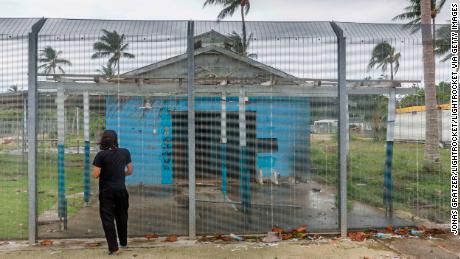 UN urges Australia to stop spate of migrant suicide attempts