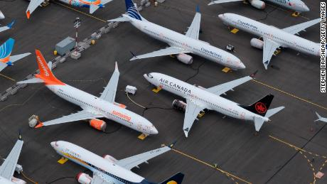 Boeing: US regulator admits 'mistake' over aircraft crashes