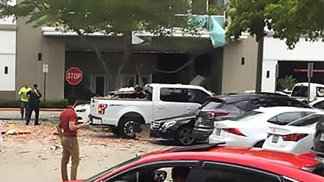 'Multiple' injuries in gas explosion at Florida shopping centre