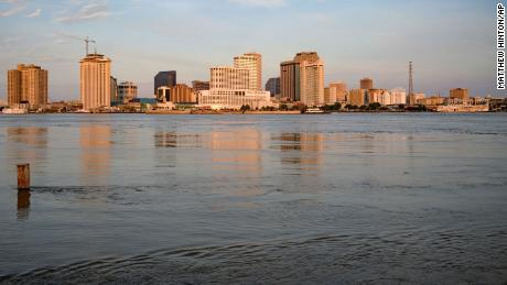 Why New Orleans is vulnerable to flooding: It's sinking