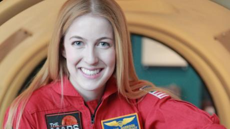. Rencontrez Abby, 22 ans. âgé qui veut être le premier astronaute sur Mars