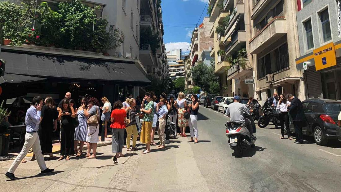 Athens: strong earthquake shakes Greek capital - CNN