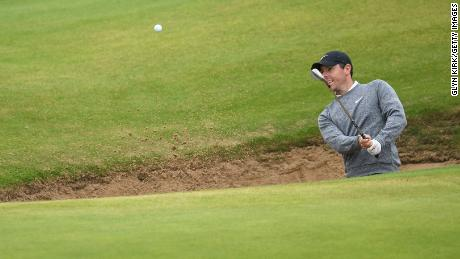 Rory McIlroy had the late crowd on the edge of their seats with his dramatic bid.