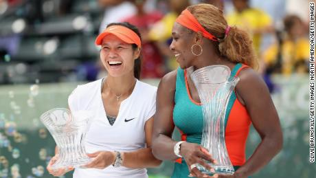 Serena Williams (right) poses with  Li Na (left) in 2014.