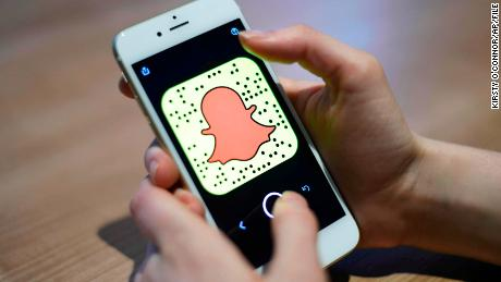 Snapchat shows new signs of life, topping 200 million daily users for first time