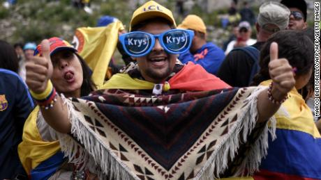 A Colombian fan thumbs up in support of Bernal.