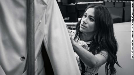 Meghan is editing British Vogue - and she brings & # 39; A Super Group of Leading Women with Her