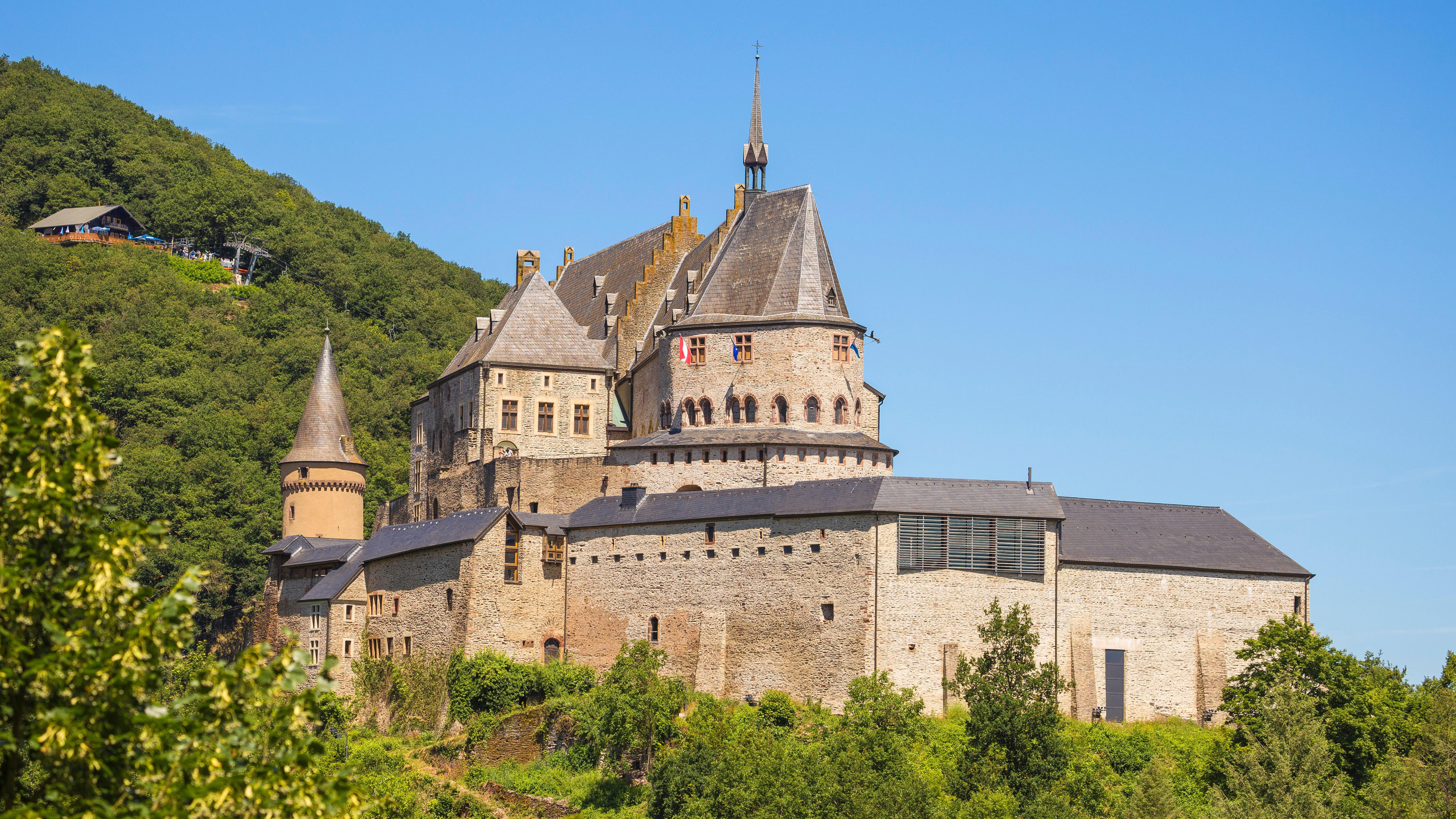 World S Most Beautiful Castles Cnn Travel