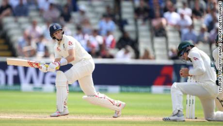 The Ashes: Steve Smith 'probablement le meilleur batteur de test que nous ayons jamais vu' alors que l'Australie écrase l'Angleterre en match d'ouverture