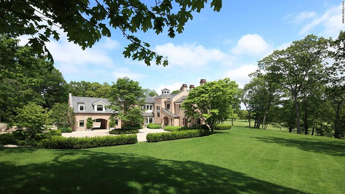 Tom Brady and Gisele Bündchen's Boston-area mansion just listed for a cool $39,500,000