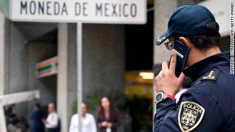 Gunmen raid Mexican mint headquarters, loot open vault